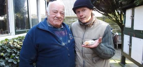 Gevangen zeldzame witte mol in Staphorst wisselt razendsnel van eigenaar