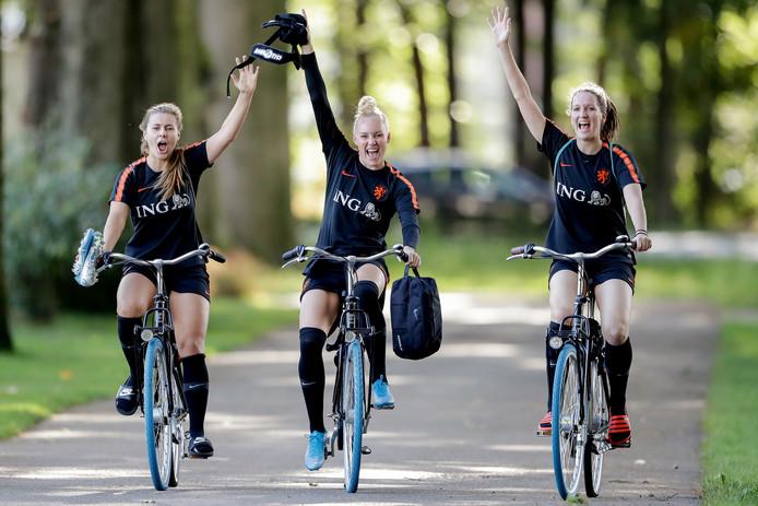 Victoria Pelova, Danique Kerkdijk en Ellen Jansen.