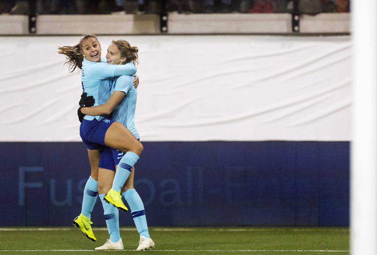 Vivianne Miedema viert haar 1-0 tegen Zwitserland. Beeld ANP