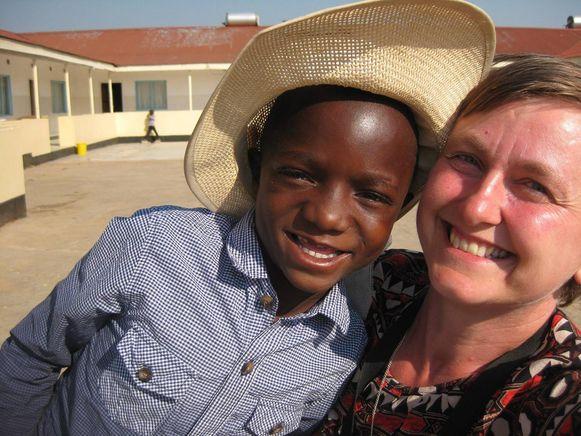 Hilde Verhelst was vorig jaar nog op bezoek in Zambia, waar ze hielp bij de opstart van een schooltje.
