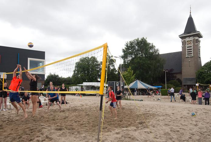 Het beachvolleybaltoernooi in Marienvelde.