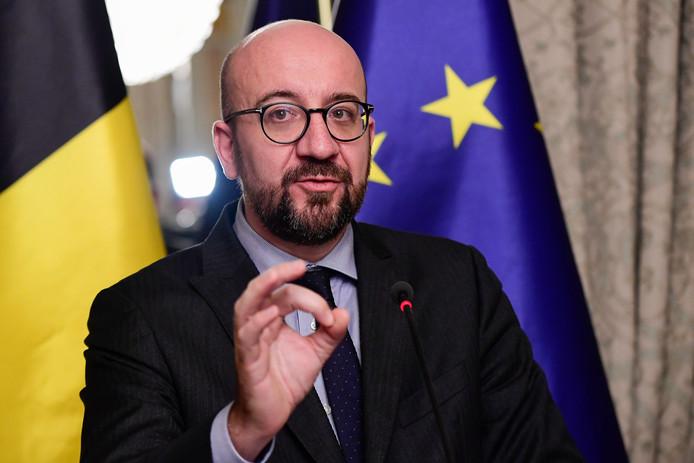 Premier Charles Michel wil het Belgische parlement over het migratiepact laten stemmen. Hij omzeilt de N-VA.