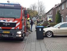Vroege barbecue veroorzaakt rook tussen dakbeschot afdak in Groesbeek-Breedeweg