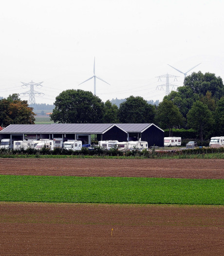 Bergs VVD-raadslid stopt met illegale caravanstalling in Halsteren