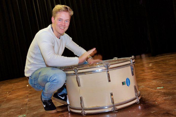 Tom Lintsen staat zondag opnieuw op het podium van de rockmiddag in Herveld.