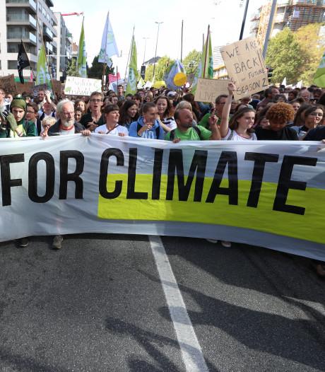 15.000 manifestants pour le climat défilent dans les rues de Bruxelles