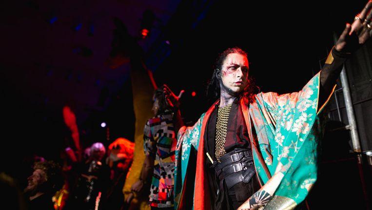 Bonte outfits, superpopmuziek, queer publiek en uitgelaten sfeer tijdens het jubileum van Ultrasexi. Beeld Maarten Nauw