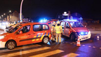 Commandowagen brandweer Denderleeuw aangereden op weg naar interventie