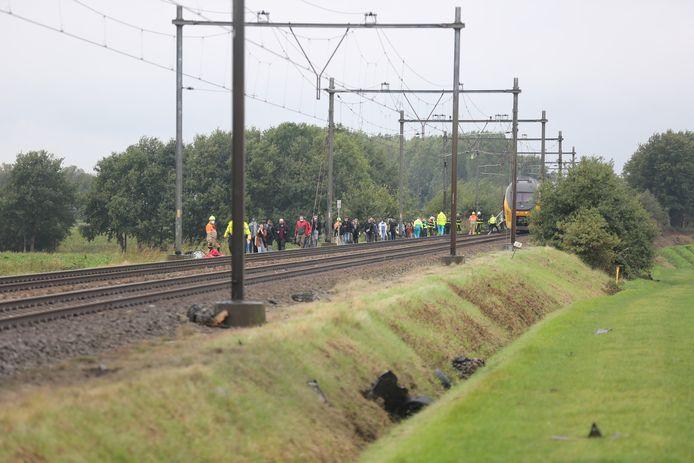 De passagiers moesten de trein verlaten.