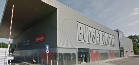 Enschede mag grote winkel in pand Praxis op Spaansland tegenhouden