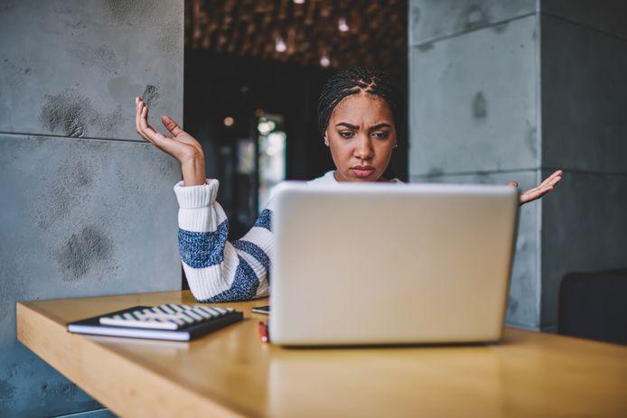 Als je collega's iets niet begrijpen komt dat waarschijnlijk niet doordat ze dom zijn. Je lijdt zelf aan de vloek van kennis, zegt neuropsycholoog Chantal van der Leest.