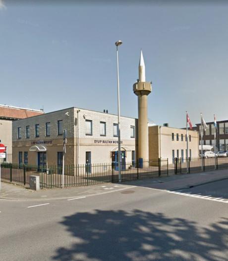 Moskeeën Oost-Nederland bezinnen zich opnieuw op extra beveiliging na aanslagen Nieuw-Zeeland