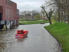 Brandweer uit de hele regio oefent met sonarboot in Zwolle