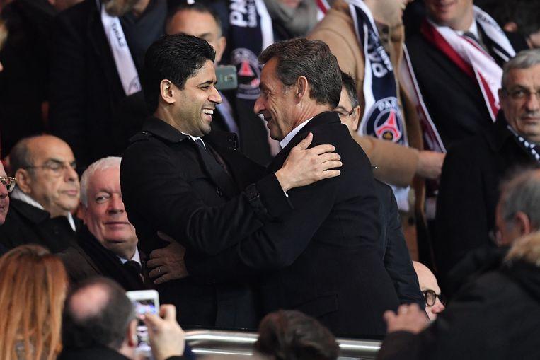 Voorzitter Nasser Al-Khelaifi met Nicolas Sarkozy. De gewezen president van Frankrijk is vaste klant op de eretribunes van het Parc des Princes.