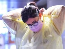 Les nouvelles infections augmentent, les décès et les admissions à l'hôpital restent à la baisse