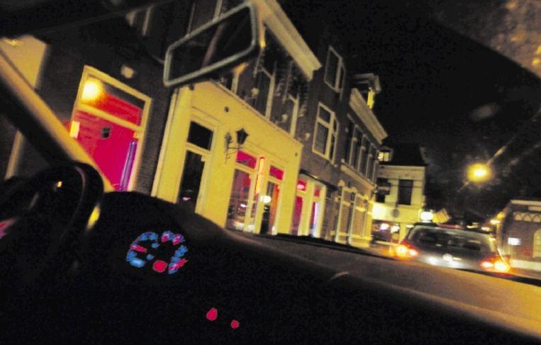 Naar verluidt begon het allemaal toen enkele mannen uit Sliven, op bezoek in Nederland om tweedehands auto's te kopen, in de rosse buurt van Groningen lege ramen zagen. Ze roken een kans. (FOTO SAKE ELZINGA) Beeld /Hollandse Hoogte