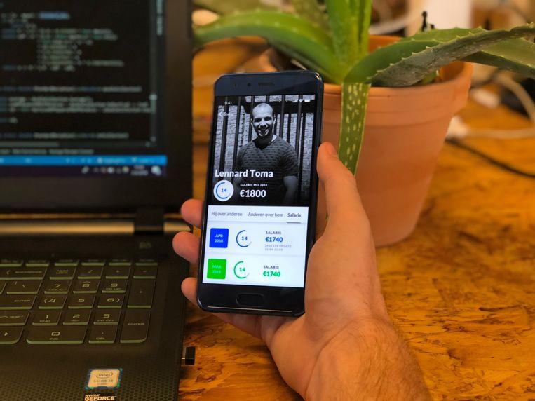 Een screenshot van de app waarmee de werknemers elkaar beoordelen. Beeld