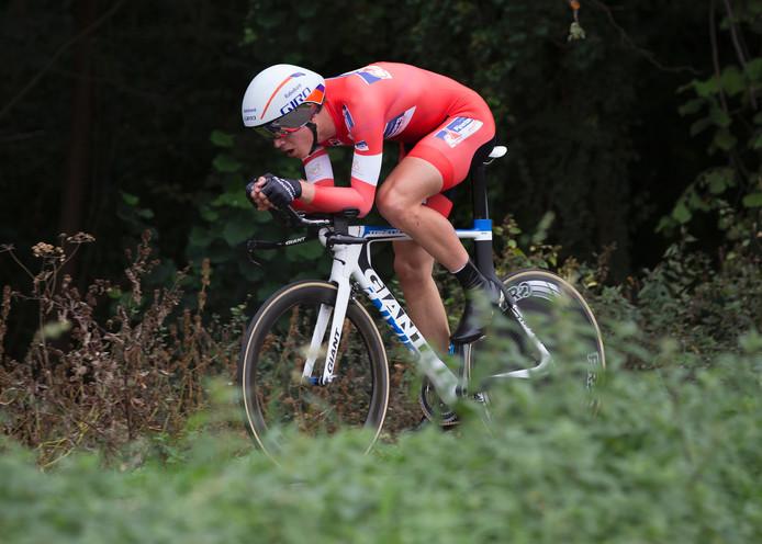 Cees Bol van het Rabobank Development Team in de individuele tijdrit van 's-Heerenberg naar Hoch Elten.