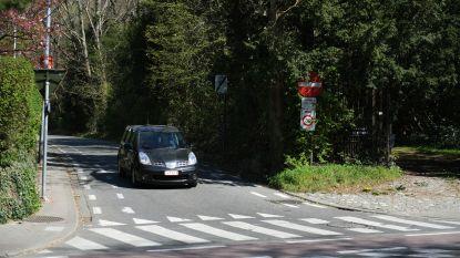 """Tiensesteenweg kan veiliger volgens gemeenteraadslid Karin Brouwers (CD&V): """"Uitrijden Grensstraat is nog moeilijker geworden"""""""