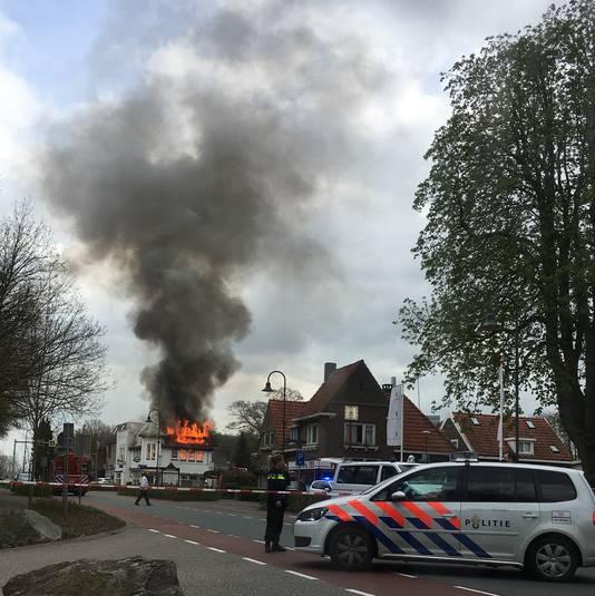 Een felle brand legde De Put aan de Oude Kleefsebaan in Berg en Dal grotendeels in de as.