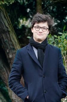 Utrechtse Dennis van Aarssen staat volgende week in de finale van The voice of Holland