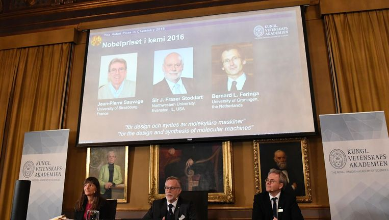 De winnaars van de Nobelprijs voor scheikunde 2016, met rechts Ben Feringa Beeld Epa