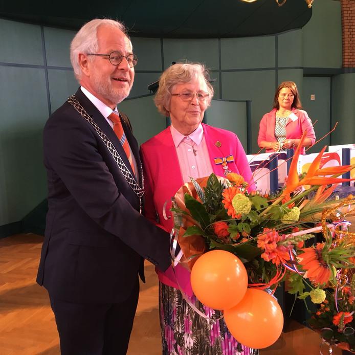 Dorien Verbij uit Oldenzaal krijgt lintje