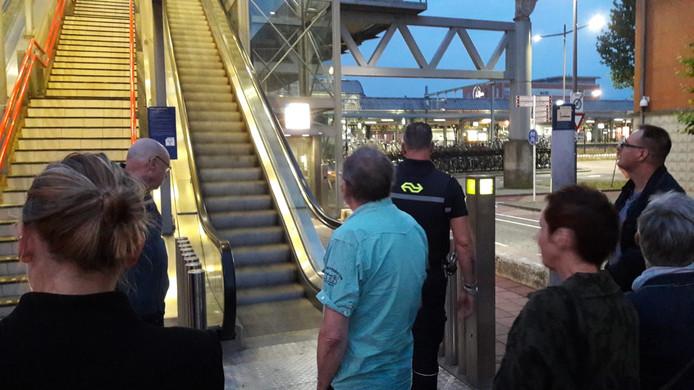 Perron 6 en 7 op station Den Bosch ontruimd.