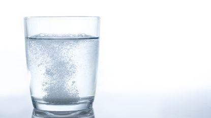 Studie: Dafalgan werkt sneller als het met bruiswater wordt ingenomen