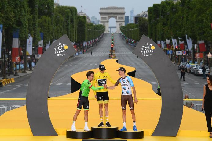 Het podium van 2017 in Parijs: Urán (tweede), Froome (eerste) en Bardet (derde).