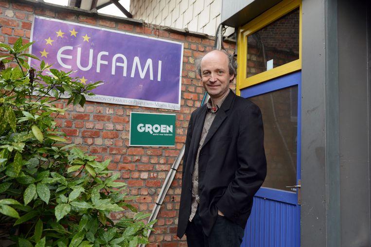 Voorzitter Jan Mertens (Groen) is dankbaar voor de jarenlange inzet van Fatiha Dahmani als fractieleider in de Leuvense gemeenteraad.