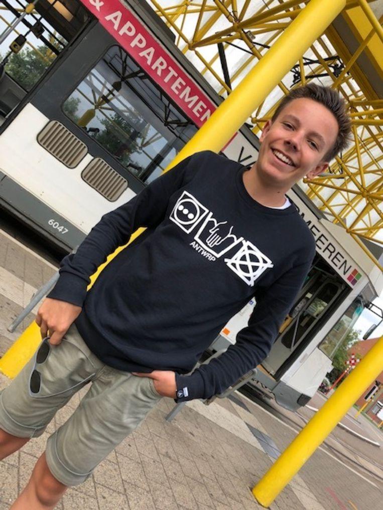 Andreas Ceulemans bij de tramstelplaats in De Panne.