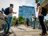 Horeca voelt zich 'in kruis getast': Oproep studenten om winkeltijden ouderen te mijden