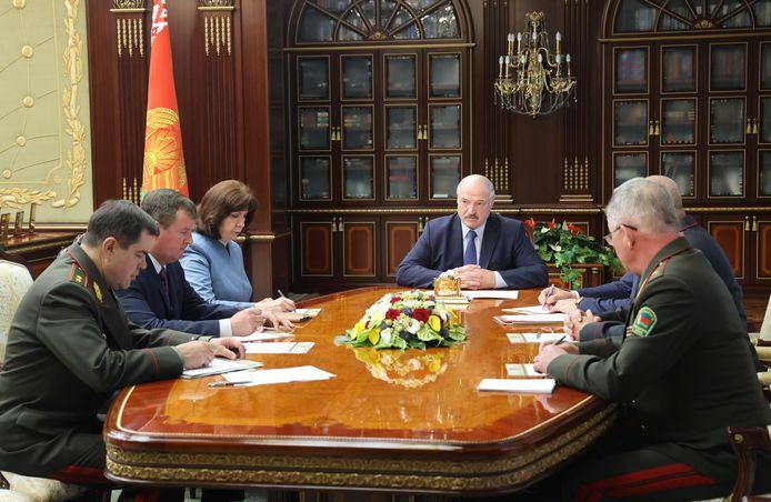 Overal in de wereld heerst oproer en chaos, behalve in Wit-Rusland, aldus Loekasjenko.