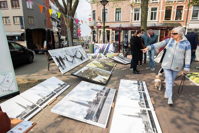 Op de markt kan je de creaties van Antwerpse kunstenaars kopen.