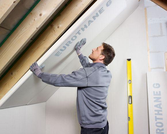 Een goed geïsoleerd hellend dak is winddicht aan de buitenkant en lucht- en dampdicht aan de binnenkant.