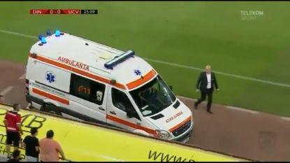 Drama in Roemenië: coach Dinamo Boekarest gereanimeerd en afgevoerd na hartaanval