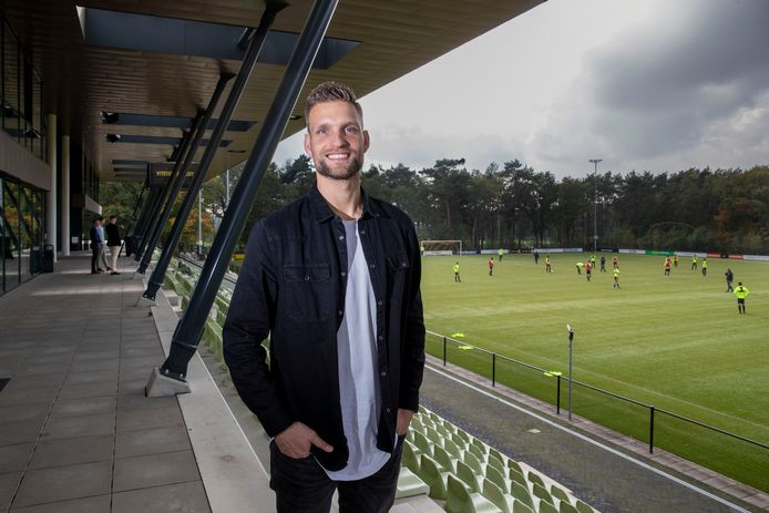 Sebastiaan van der Sman op Papendal. Het trainingscomplex van Vitesse waar de doelman werkt.
