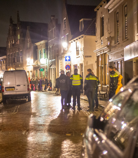 Burgemeester Oudewater: optreden politie bij rellen was niet buitensporig