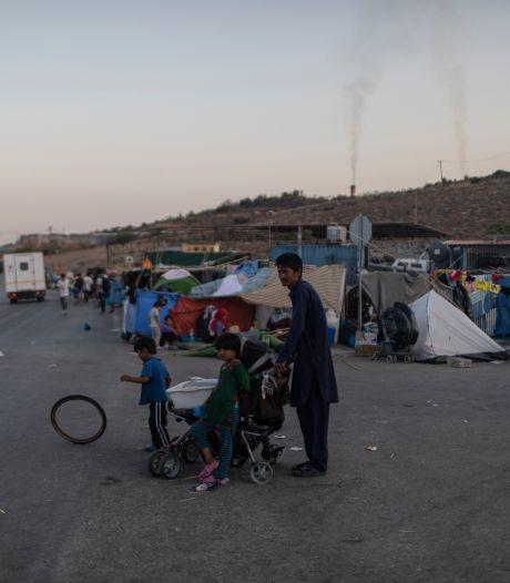 Amsterdamse studenten bouwen op Plein vluchtelingenkamp Moria na: 'Vooral veel ellende'