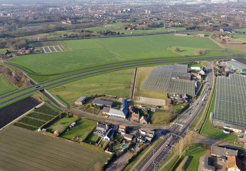 Een tekening van een gedeelte van de nieuwe  provinciale weg tussen Oosterhout en Dongen.