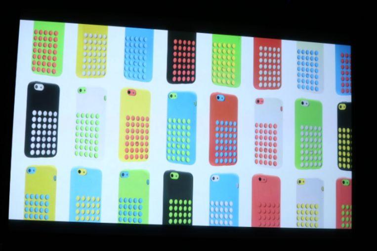 De nieuwe iPhone 5C met hoesjes. Beeld Apple