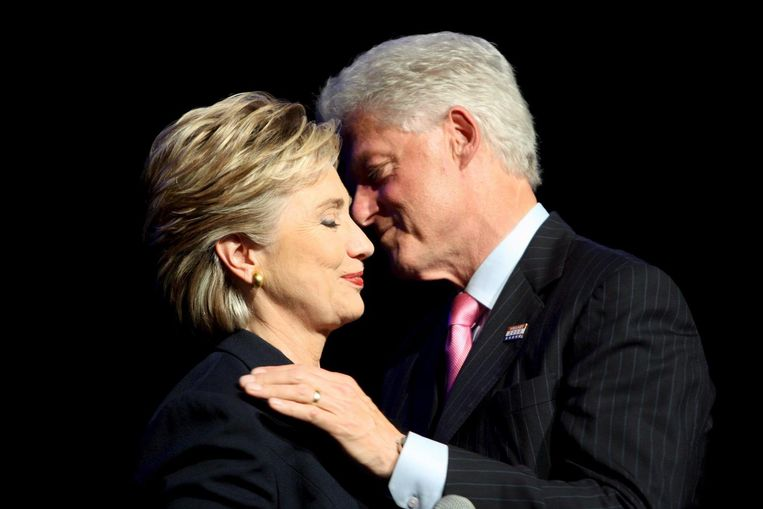 Bill Clinton, die in zijn verkiezingscampagnes een goede debater was, zal Hillary zeker adviseren hoe Trump aan te pakken in de drie debatten. Of hij ook bij de voorbereidingen zal zijn, is onduidelijk. Beeld AP