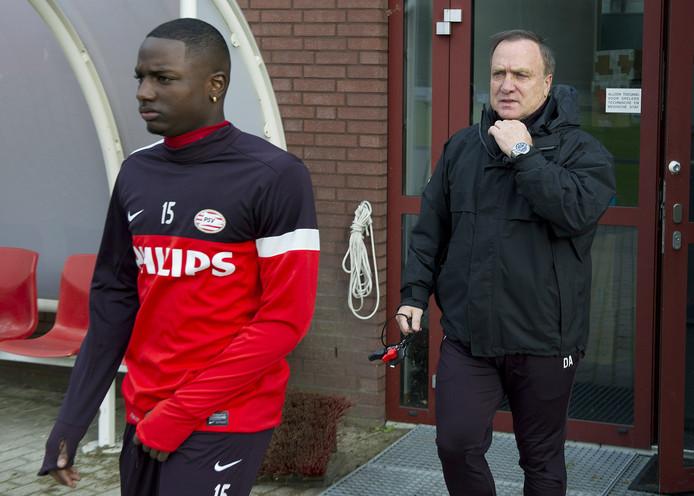 Dick Advocaat en Jetro Willems bij PSV, eind 2012.