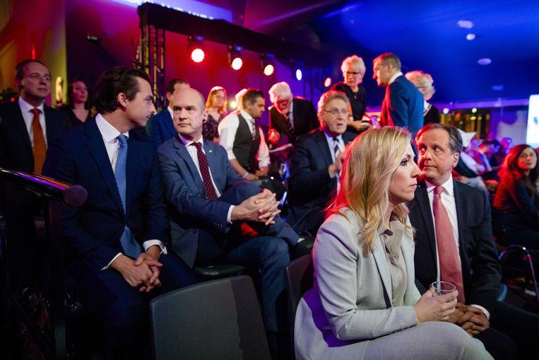 Kees van der Staaij (SGP), Thierry Baudet (FvD), Gert-Jan Segers (ChristenUnie), Henk Krol (50Plus) en Lilian Marijnissen (SP) en Alexander Pechtold (D66) tijdens het televisiedebat van de NOS. Beeld anp