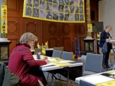 Schrijfactie Amnesty International in Breda: 'Deze verhalen maken echt indruk'