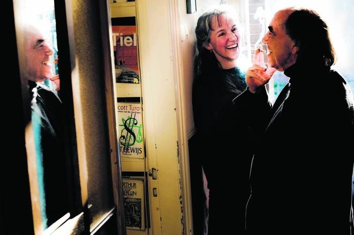 John van Buren met links Inge de Peinder, waarmee hij tal van producties in Tiel maakte. foto: Raphaël Drent