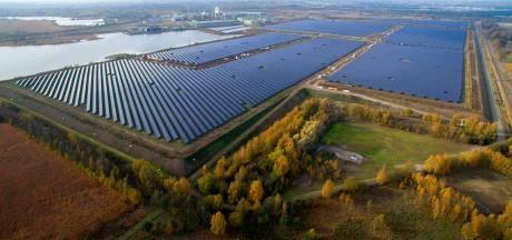 120 voetbalvelden vol zonnepanelen in Budel-Dorplein in gebruik