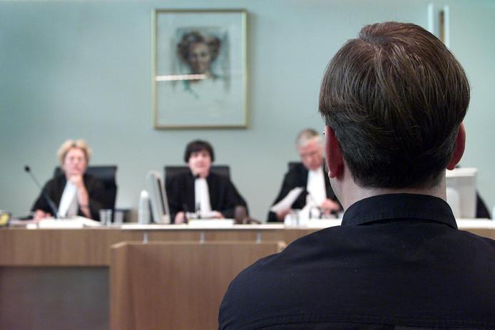 Martin C., de moordenaar van Sybine Jansons, voor de rechtbank in 2000.