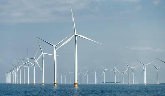 De aanbesteding van de eerste twee windparken voor de Zeeuwse kust bij Borssele verliep zo succesvol dat ze met 7 miljard euro minder subsidiegeld kunnen worden gebouwd.